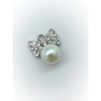Przywieszka metalowa Kokardka z perłą